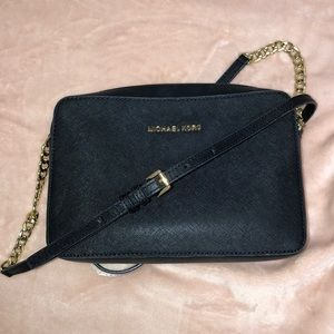 MICHAEL KORS Jet Set Cross Body Bag - BLACK
